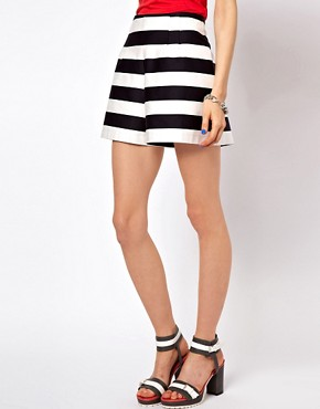 Image 4 ofASOS High Waisted Shorts In Bold Stripe