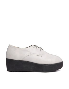 The WhitePepper Simple Wedge Brogue