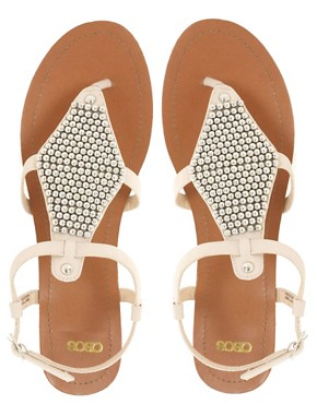 Bild 3 von ASOS  FANCY  Flache Sandalen mit Nietenverzierung