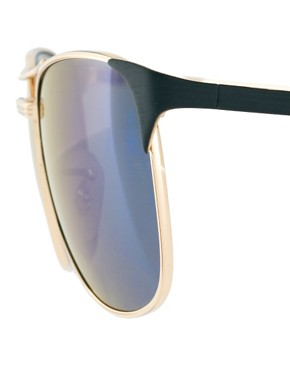 Image 4 ofRay-Ban Aviator Sunglasses