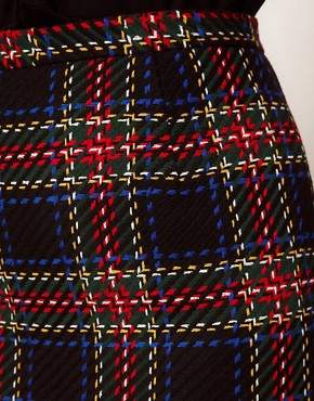 Image 3 ofASOS CURVE Exclusive Pencil Skirt In Tartan