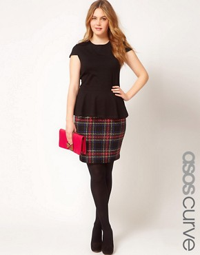 Image 1 ofASOS CURVE Exclusive Pencil Skirt In Tartan