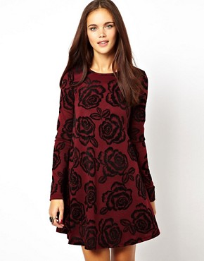 http://images.asos-media.com/inv/media/0/5/0/2/3382050/burgundy/image1xl.jpg