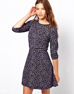 http://images.asos-media.com/inv/media/0/5/7/4/2824750/navy/image1xl.jpg
