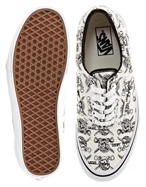 Image 3 ofVans Era Skull and Cross Lace Up Trainers