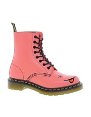 Dr Martens - Hincky - Anfibi rosa acido con Smiley e 8 occhielli