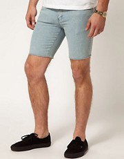 Afends &ndash; Enge Jeansshorts in heller Waschung