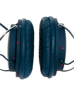 Image 3 ofWESC Conga Heartbreaker Headphones