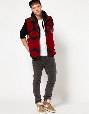 Image 4 ofSprayway Fleece Gilet With Peruvian Print - EXCLUSIVE