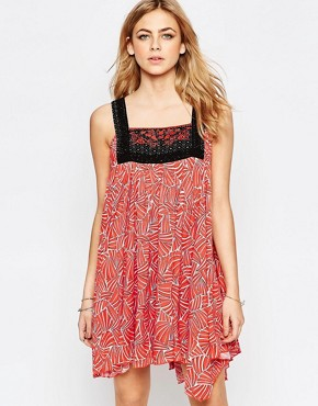 Hazel Embroidered Bib Front Mini Dress In Red