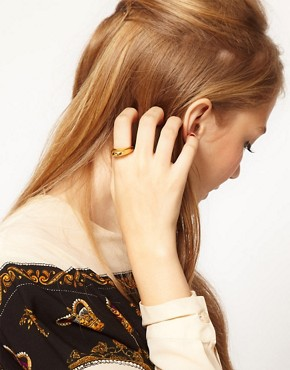 Image 3 ofSusan Caplan Exclusive For ASOS Vintage &#39;90s Sculpted Ring