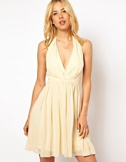 Vestido skater con cuello halter sexy de ASOS