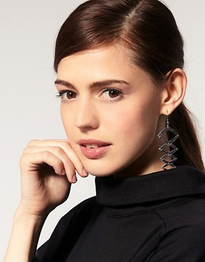 Image 3 ofHouse Of Harlow 1960 Geometric Dangle Earrings