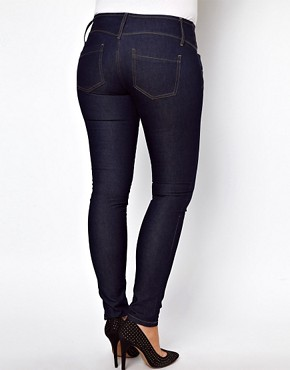 Bild 2 von ASOS CURVE  Sehr sexy geschnittene Rhrenjeans