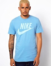 Nike T-Shirt with Washed Icon Logo