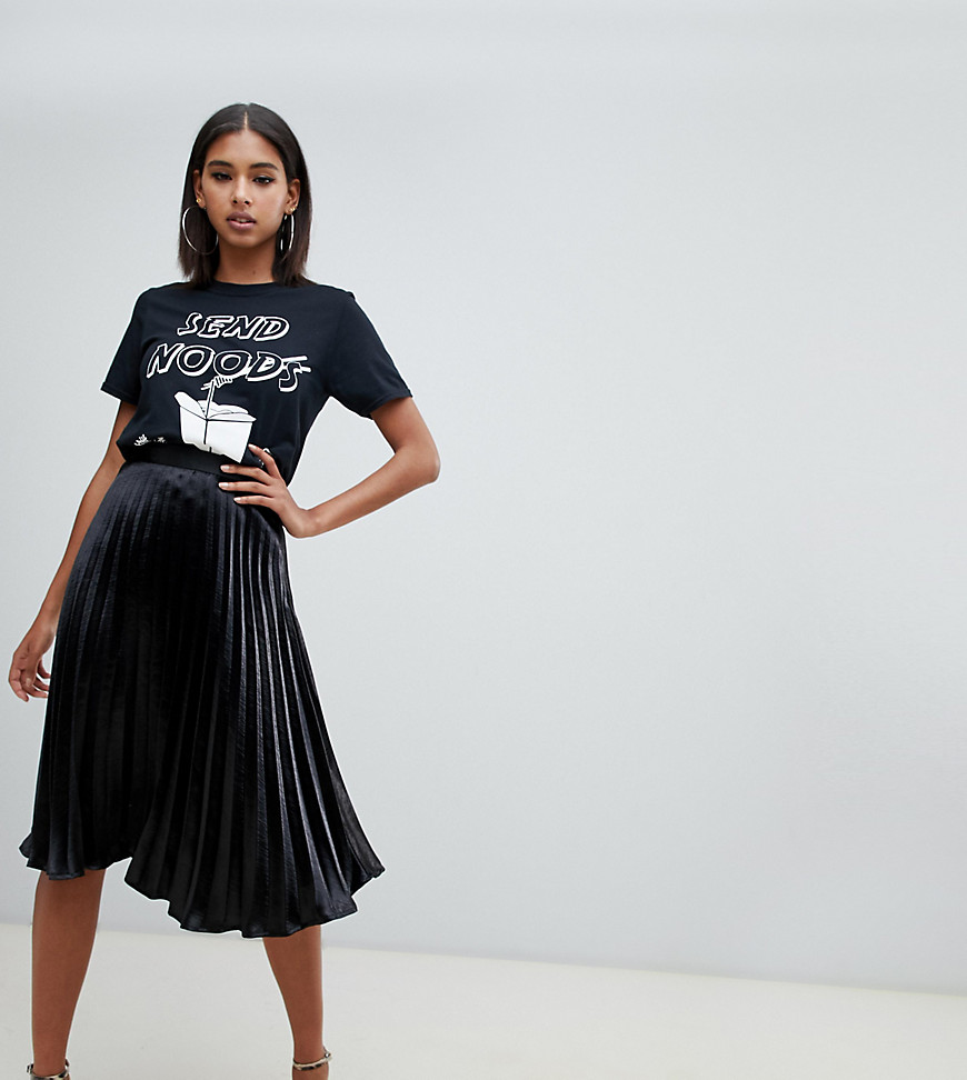 Missguided - Jupe mi-longue plissée en satin - Noir - Noir