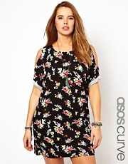 Vestido con hombros al descubierto y estampado floral exclusivo de ASOS CURVE