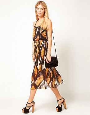 Image 4 ofJovonnista Printed Midi Dress