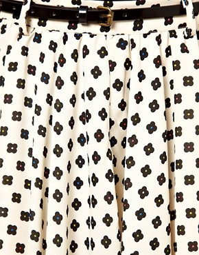 Image 3 ofGlamorous Belted Mini Skirt In Daisy Print