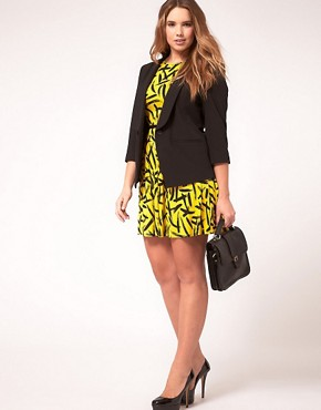 Image 4 ofASOS CURVE Exclusive Shrunken Blazer