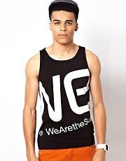 WESC &ndash; Trgershirt mit Blown-Up-Logo, exklusiv bei ASOS