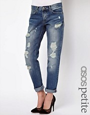 Vaqueros estilo boyfriend de corte slim con lavado vintage de ASOS PETITE
