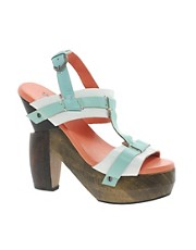 Vila Sandal With Chunky Wooden Heel