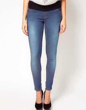 Image 4 ofASOS Maternity Skinny Jean In Supersoft Fabric With Stretch Waistband