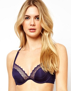 Image 1 ofWonderbra Natural Lift Girly Bra
