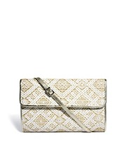 Clutch de paja tejido de Oasis