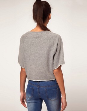 Image 2 ofVero Moda Sweatshirt Cropped with Raw Edge