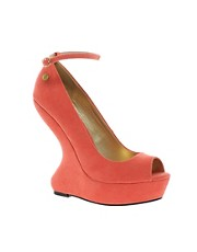 Blink Curve Wedge Sandal
