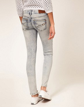Image 2 ofRiver Island Bleached Skinny Jean
