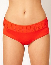 Huit Je T&#39;aime Low Waist Short Style Brief with Ruffle Detail