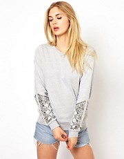 Vila &ndash; Nietenverziertes Sweatshirt