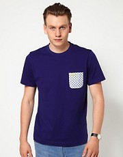 Camiseta con estampado de cachemir en el bolsillo EXCLUSIVA de Fred Perry