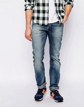 Superdry Washed Jeans in Straight Fit