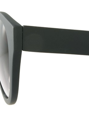 Image 4 ofASOS Oversized Round Sunglasses