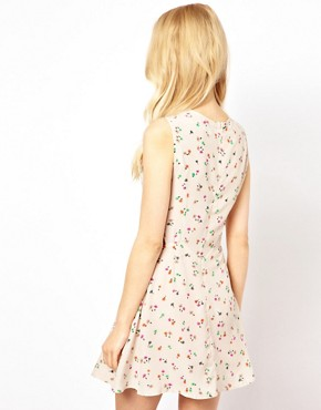Image 2 ofGlamorous Floral Dress With Cut Out