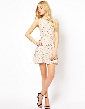 Image 4 ofGlamorous Floral Dress With Cut Out