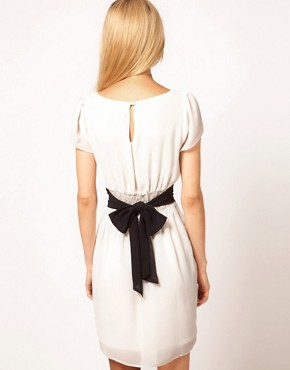 Image 2 of ASOS Tulip Dress With Contrast Bow