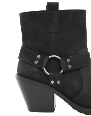 Image 2 ofASOS ACCURATE Leather Ankle Boots