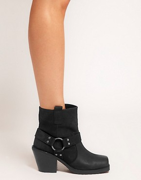Image 3 ofASOS ACCURATE Leather Ankle Boots