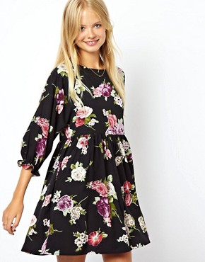 http://images.asos-media.com/inv/media/2/5/0/6/3086052/print/image1xl.jpg