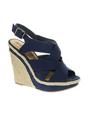 Sandalias de cua con tiras cruzadas Game de New Look