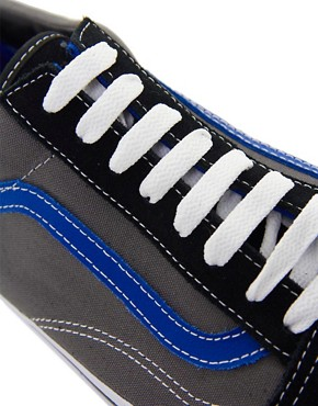 Image 2 ofVans Old Skool Plimsolls