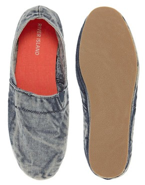 Image 3 ofRiver Island Stitch Slip-On Plimsolls