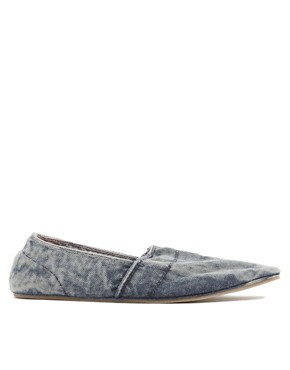 Image 4 ofRiver Island Stitch Slip-On Plimsolls
