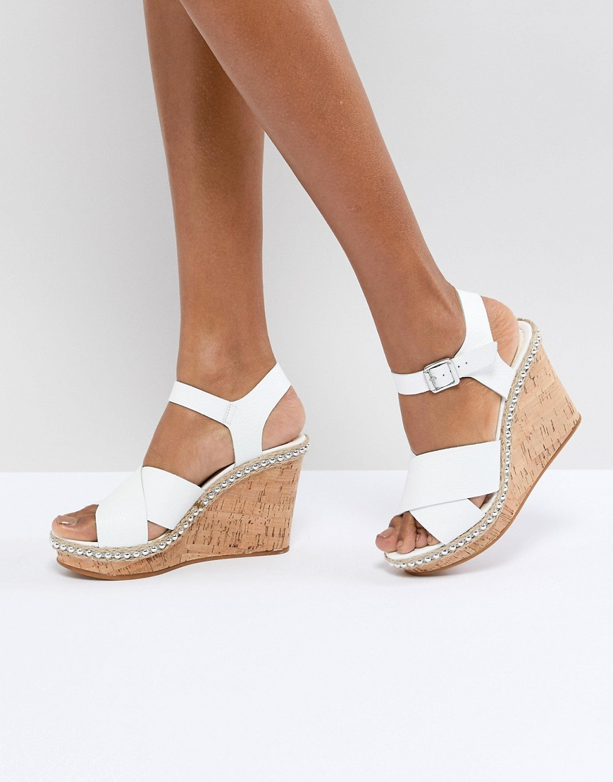 CORK WEDGE WITH LEATHER TAN CROSS STRAPS - WHITE