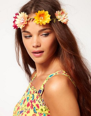Image 1 ofRiver Island Large Daisy Garland Head Band